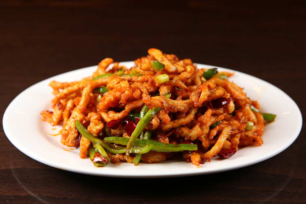 j02 smoky hot chicken w. cayenne 三椒干煸鸡 [spicy]