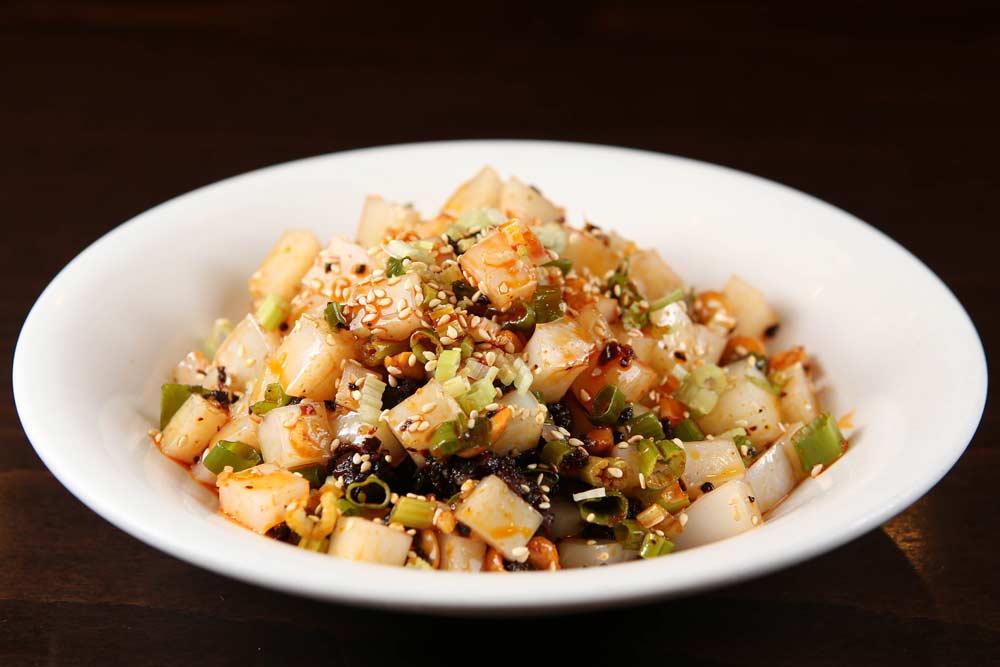x12 green bean jelly w. chengdu spicy sauce 成都凉粉 [spicy]