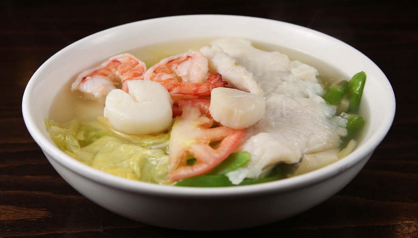 s06 seafood soup 海鲜汤
