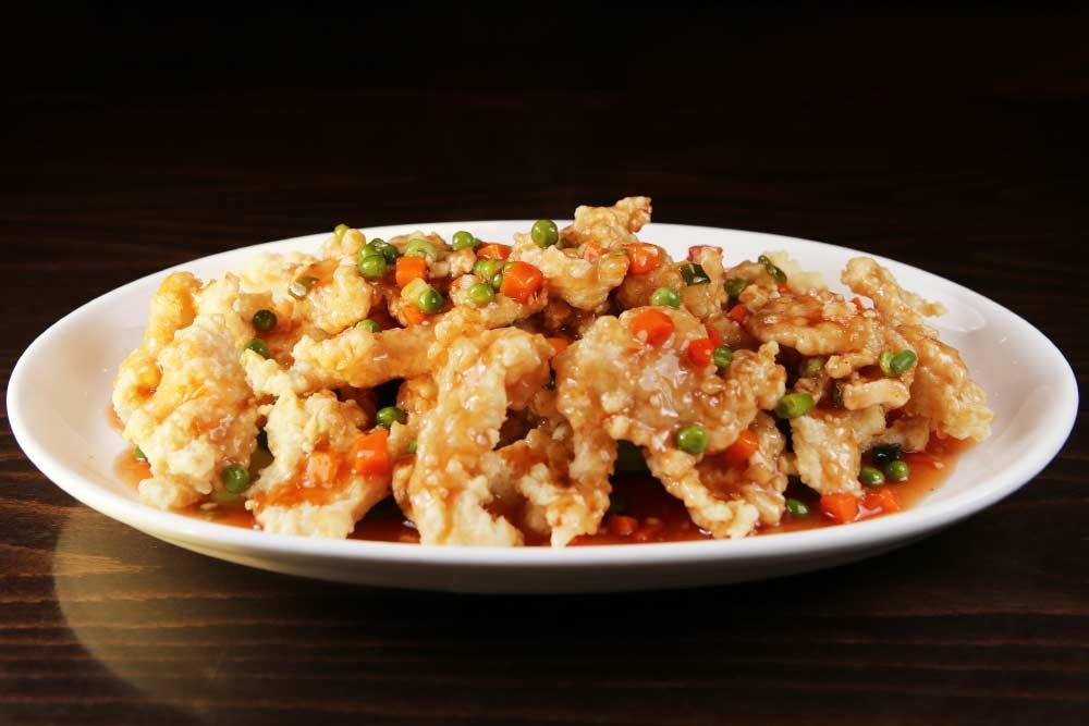 f02 crispy fish filet w. sweet & sour sauce 糖醋鱼片