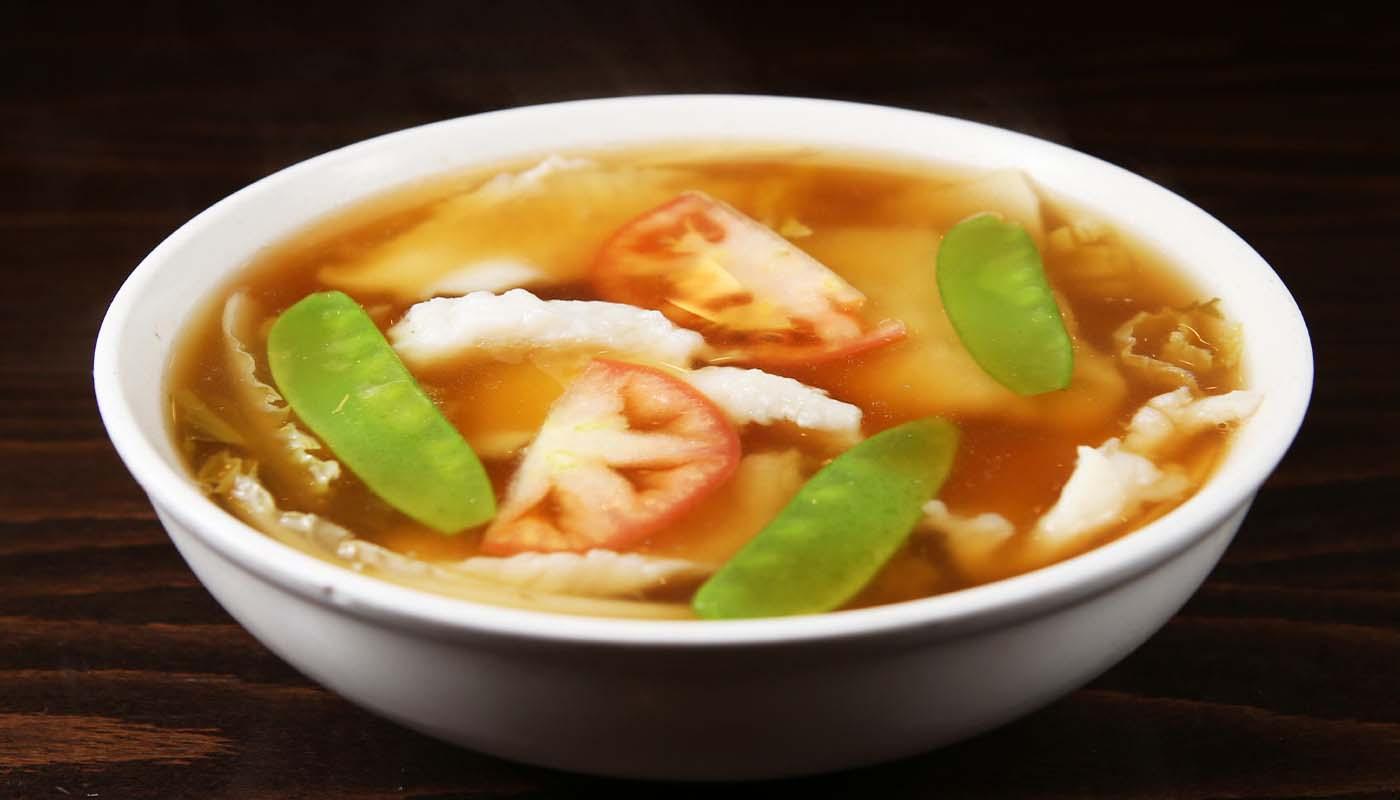 s07 fish filets w. sour cabbage soup 酸菜鱼片汤