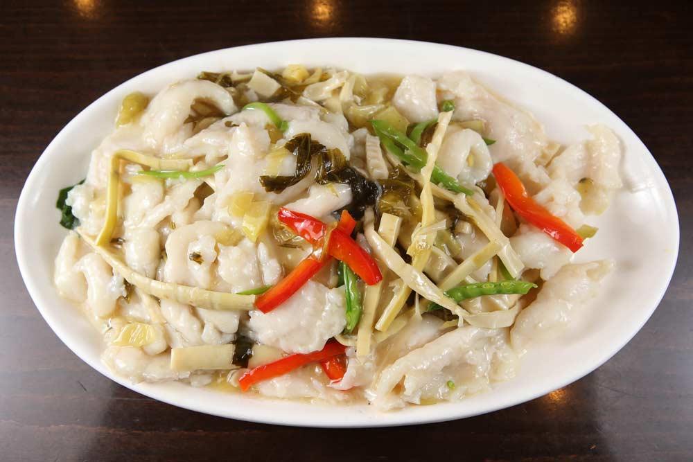 f03 fish filet w. sour cabbage sauce 酸菜鱼片
