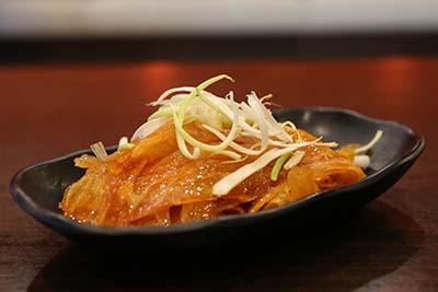 x03 beef tendon w. spicy wonder sauce 麻辣牛筋 [spicy]