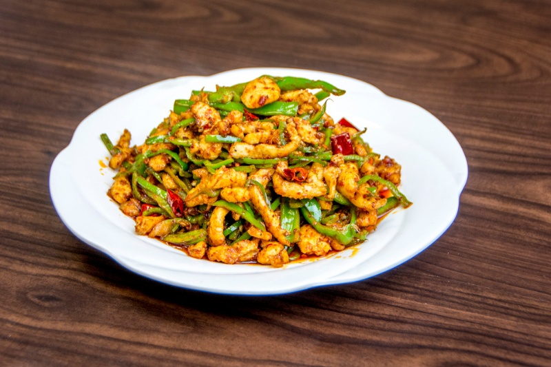 c12. shredded chicken with green long pepper 霸王尖椒鸡[spicy]