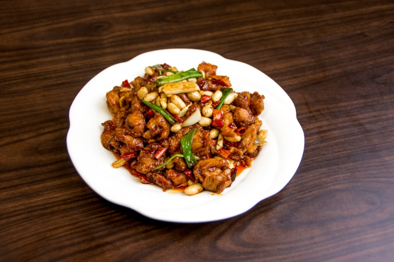 c14. spicy kung pao chicken leg 四川宫保鸡[spicy]