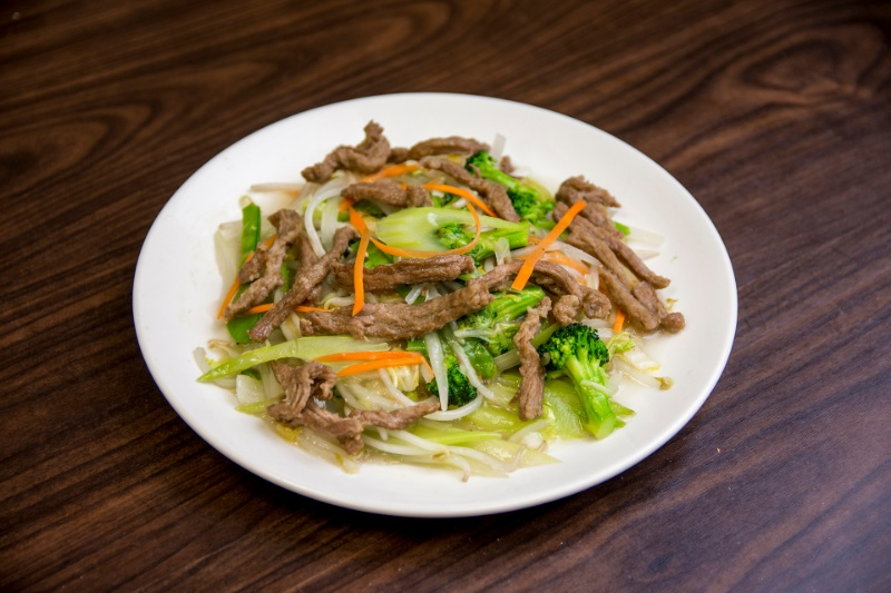n09. beef chow mein 牛肉炒面