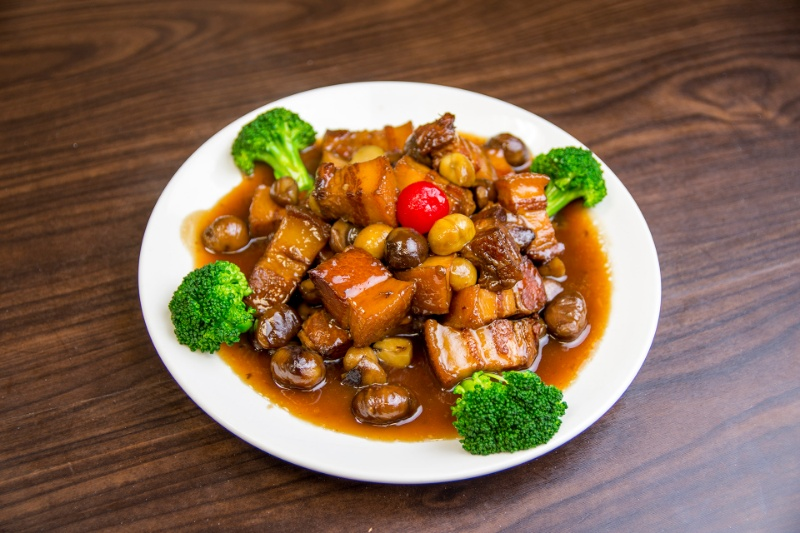 p07. pork belly with chestnut 霸王板栗烧肉