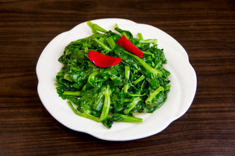 v11. snow pea leaves with minced garlic 蒜蓉豌豆苗